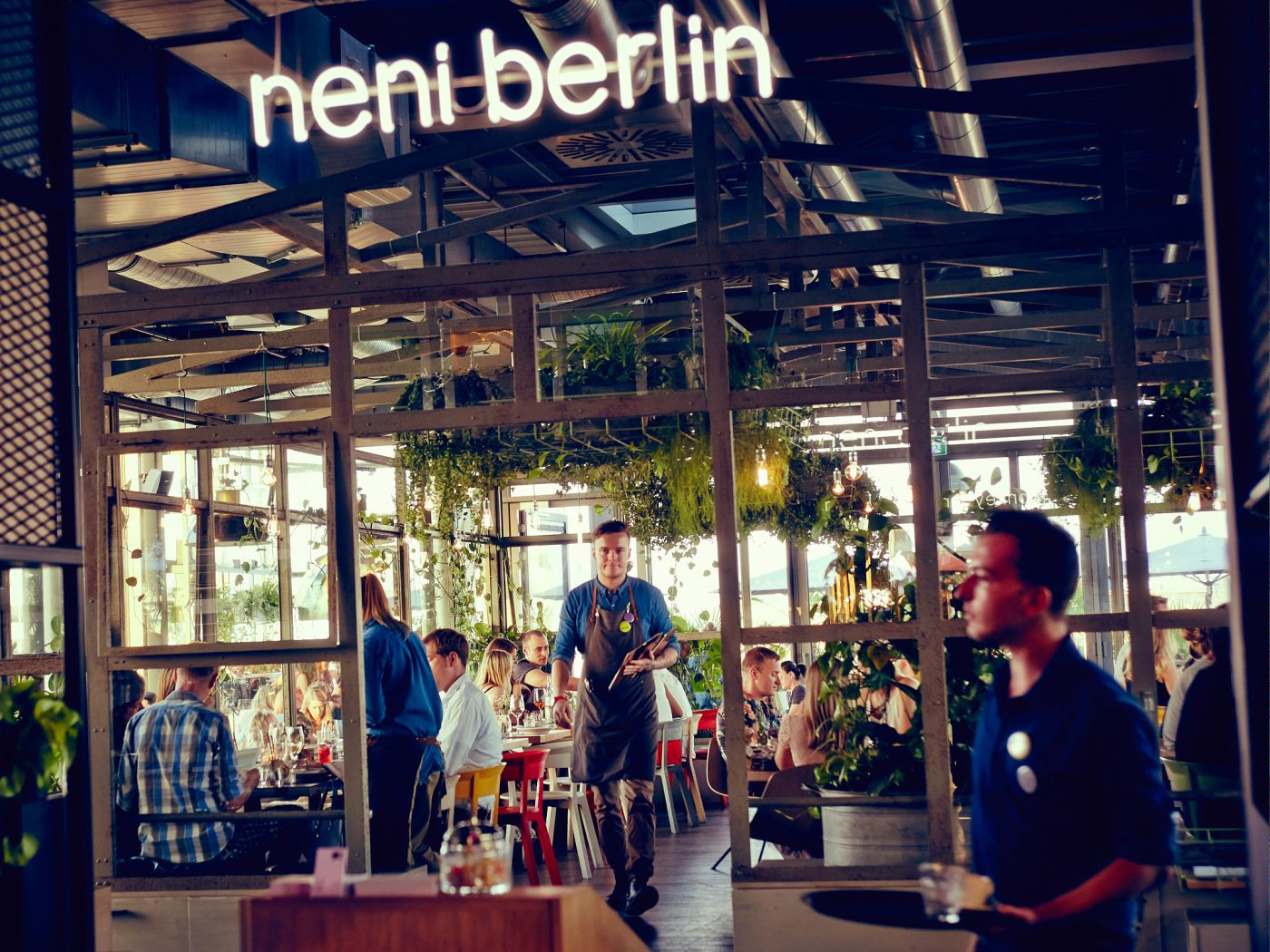 neni berlin das restaurant in berlin city west. Black Bedroom Furniture Sets. Home Design Ideas